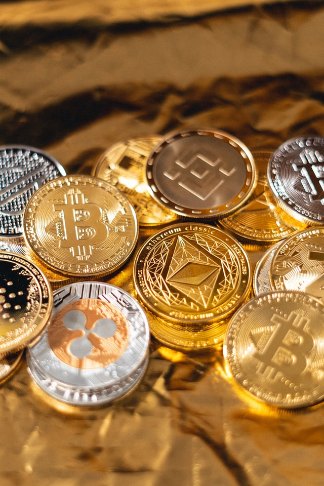 cryptocurrency coins of gold and silver you can deposit on pirateplay casino